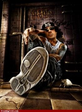 http://midliferocksblog.com/wp-content/uploads/2011/02/Muammar-gaddafi-libya.jpg